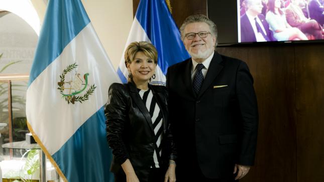 Embajador del Perú se reúne con Presidenta de la Fundación Esquipulas de Guatemala