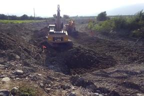 Thumb trabajos de descolmatacion con excavadoras