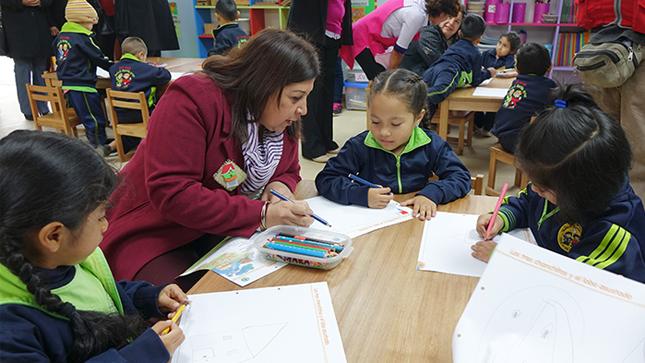Más de 200 niños regresaron a clases en nuevas instalaciones luego de las vacaciones de medio año
