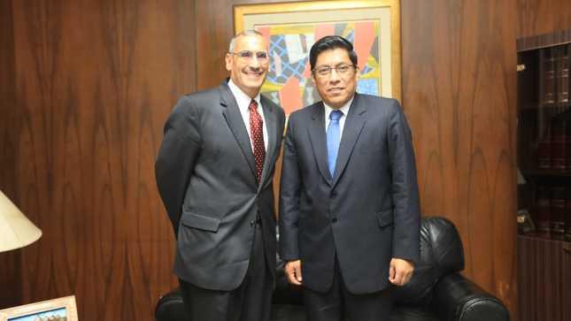 Ministro Vicente Zeballos se reunió con embajador de Estados Unidos