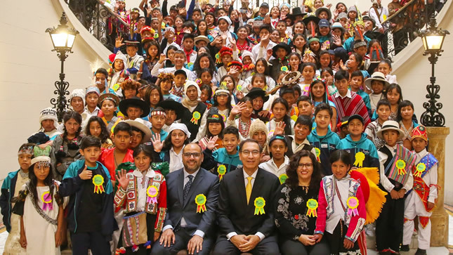 Niños que participan en Tinkuy 2018 visitaron Palacio de Gobierno