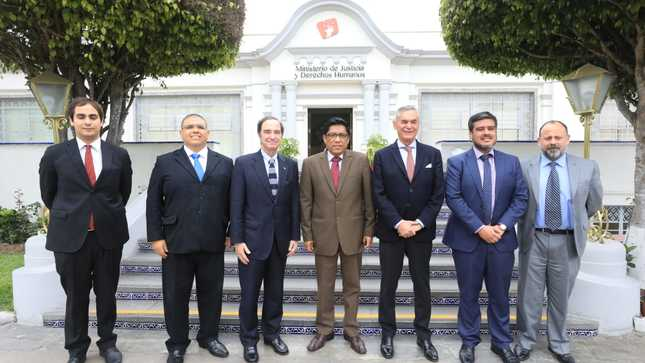 Ministro de Justicia y DDHH se reunió con su homólogo de Chile