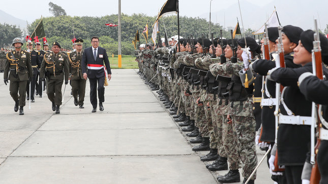 Standard ministro huerta fuerzas armadas son defensora