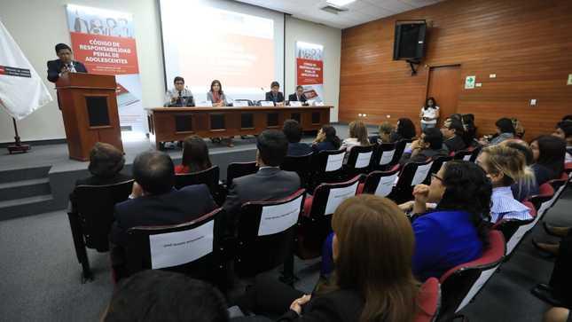 MINJUSDH presenta primera edición oficial del Código de Responsabilidad Penal de Adolescentes