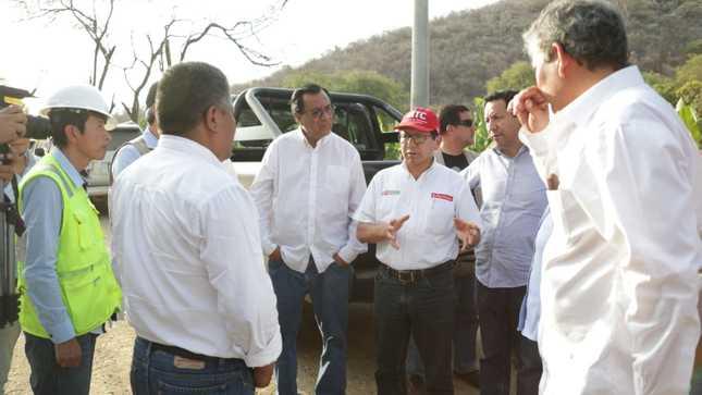 Ministro Edmer Trujillo recorrió carreteras de Piura para inspeccionar las intervenciones que se realizan para mejorar la transitabilidad